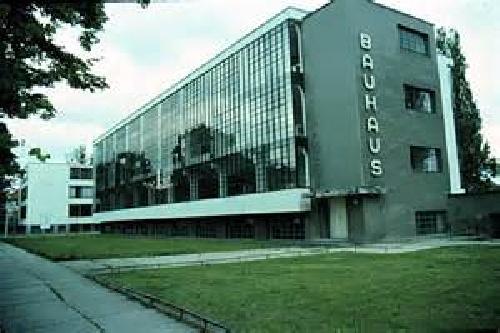 1763450 - پاورپوینت مدرسه باهاوس
